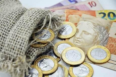 Cresce remessa de dinheiro de brasileiros no exterior not cias r7 economia Remessa de dinheiro para o exterior