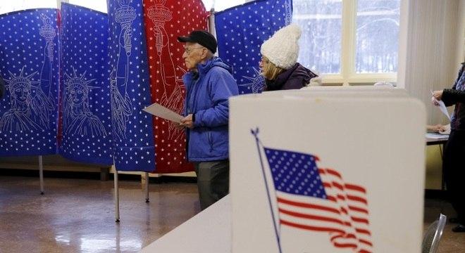 Voto antecipado nos EUA já equivale a 65% do comparecimentos de 2016