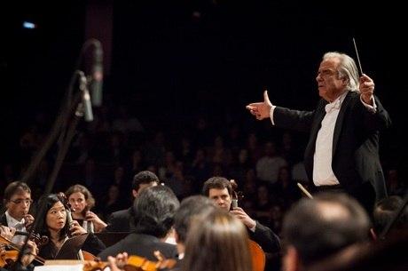 João Carlos Martins mostra composições de Mozart e Bach