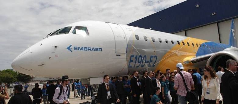 Novo E190-E2, da Embraer, é lançado em São José dos Campos (SP)