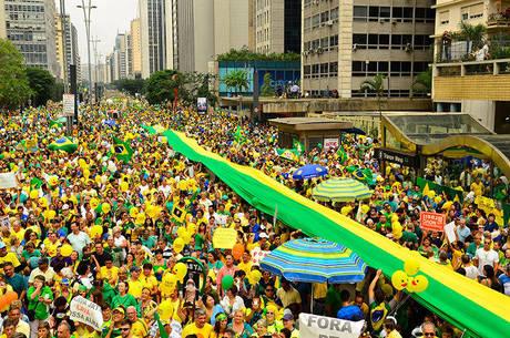 urandir   Maioria dos manifestantes enfrenta problemas econômicos, diz pesquisa