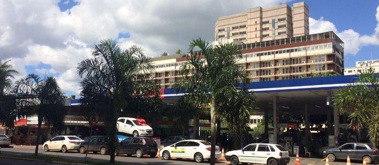 Apesar do dono estar preso há dois anos, o Posto da Torre continua funcionando normalmente no centro de Brasília