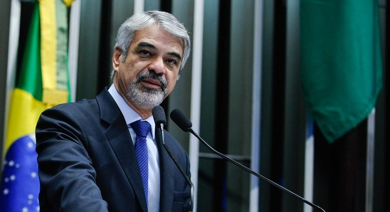 O senador Humberto Costa, crítico das medidas de flexibilização