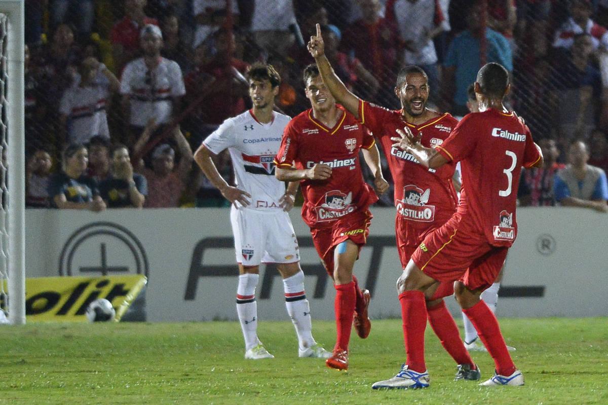 4 a 1 fora o baile! São Paulo é goleado e deixa Paulistão de forma vexatória