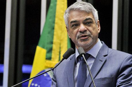 "Humberto Costa classificou que Dilma terá ""morte profissional"""