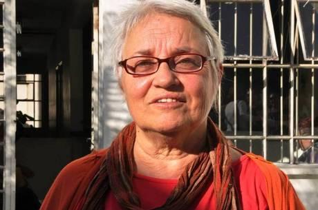 Amelinha Teles contou como era o homem admirado por Bolsonaro