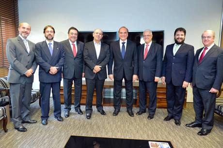 O presidente da Rede Record, Luiz Cláudio Costa, o diretor corporativo, Márcio Novaes e o diretor nacional institucional, Zacarias Pagnanelli receberam os magistrados
