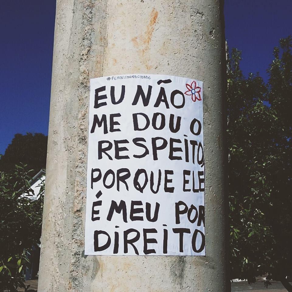 Grupo Espalha Frases Pelas Ruas De Go Para Elevar Autoestima