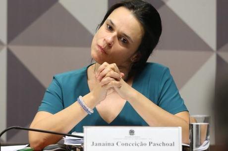 Janaína aproveitou a oportunidade para justificar sua passagem pelo governo FHC