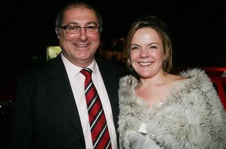 Gleisi e Paulo Bernardo foram denunciado ao STF sob a acusação de ter em recebido R$ 1 milhão para a campanha da senadora em 2010