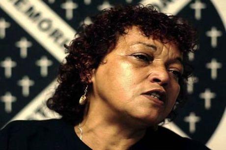 Débora Silva soube de morte do filho pelo rádio, em 2006