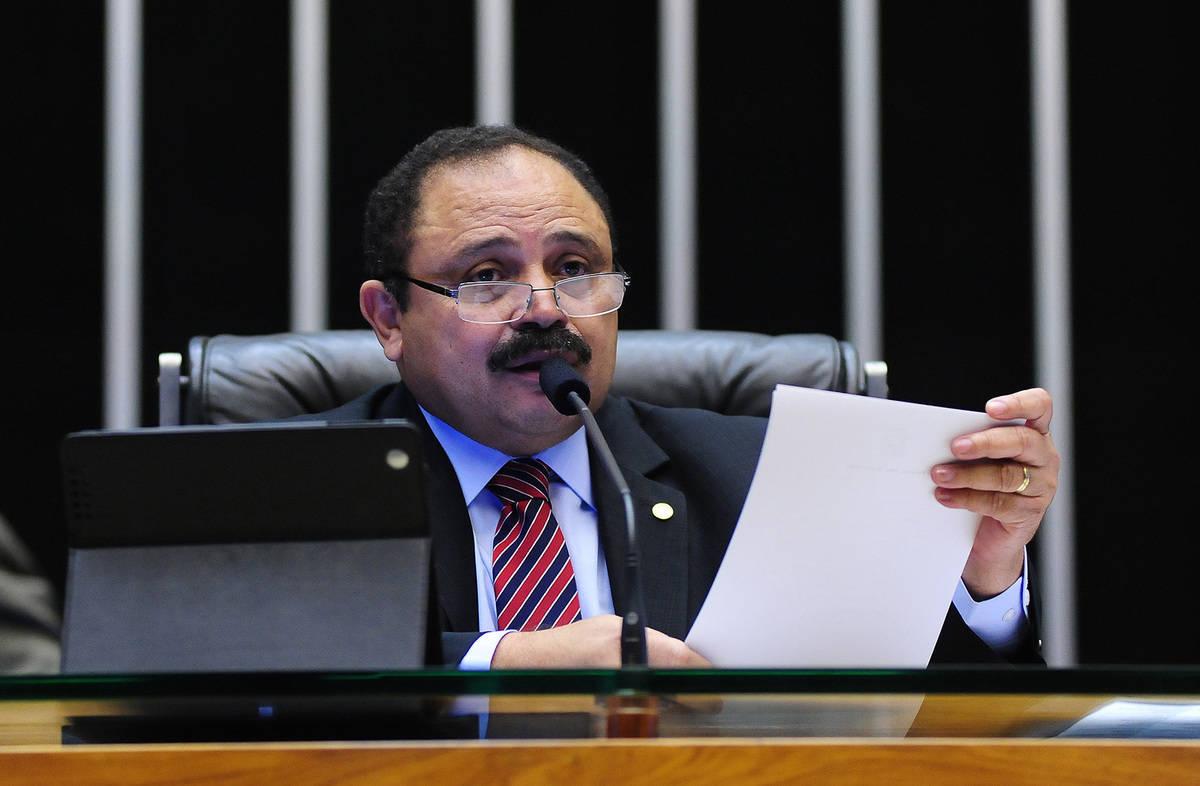 Titulares da Mesa da Câmara pedem renúncia ou afastamento de Maranhão