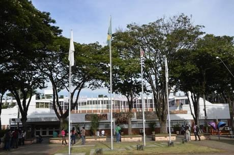 Universidades criticam cortes de verba na Educação