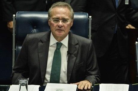 Presidente do Senado, Renan Calheiros, comanda a votação