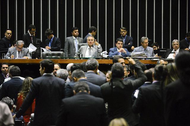 Congresso aprova meta fiscal que prevê rombo de R$ 170,5 bilhões no Orçamento