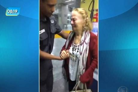 Idosa foi socorrida por policial militar que estava no aeroporto