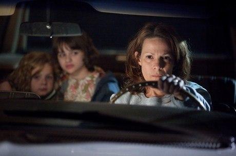 A atriz Lili Taylor em cena do primeiro Invocação do Mal