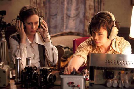 Vera Farmiga e Shannon Kook no primeiro filme