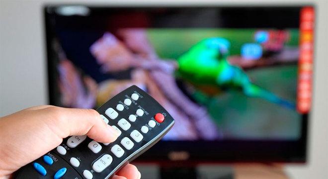 Estamos consumindo quase 8 horas de TV por dia