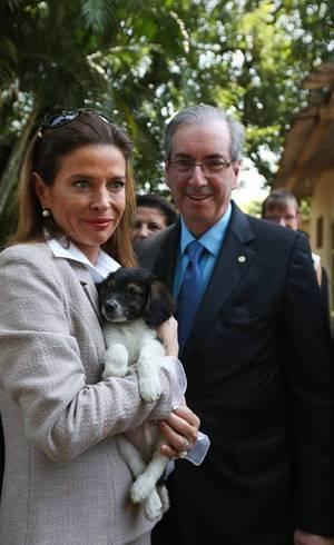 Claudia Cruz, ex-jornalista da TV Globo, ao lado do deputado afastado Eduardo Cunha