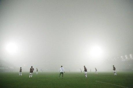 Jogo em Chapecó foi interrompido pela neblina