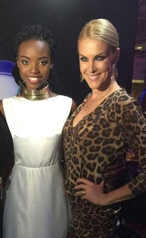 Ana Hickmann posa no Angola Fashion Week