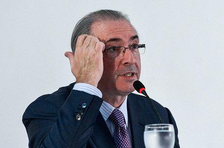 Moro já conduz investigações contra a esposa e a filha de Cunha, com relação às contas bancárias que a família mantém no exterior