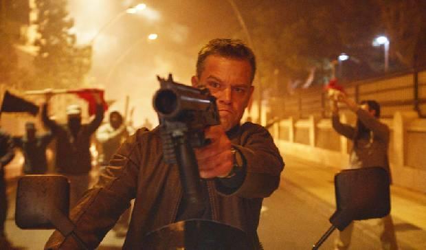 Matt Damon afirma que Bourne venceria James Bond em uma luta