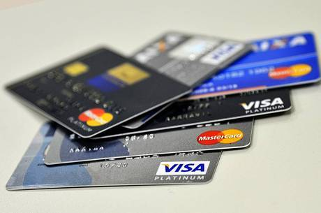 Atraso do cartão de crédito é motivo de inadimplência