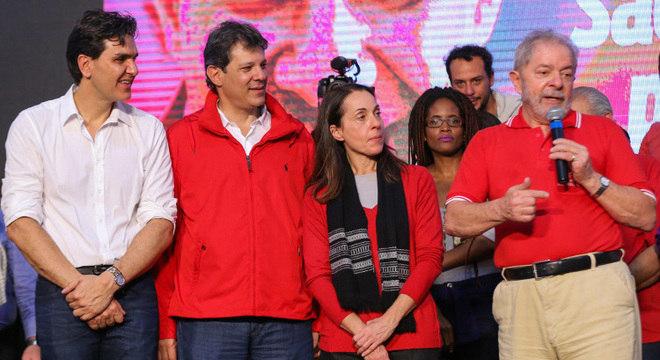 Gabriel Chalita (esquerda) e Fernando Haddad formarão a chapa do PT na disputa da prefeitura