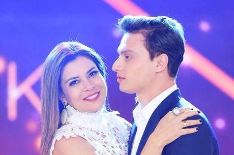 Gabriel Torres e Mara Maravilha estão noivos e não se importam com a diferença de idade
