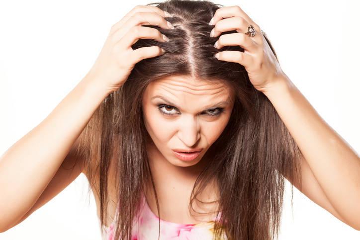 2b2e0dec0 ... Você tem percebido que seu cabelo anda caindo em uma quantidade fora do  normal?