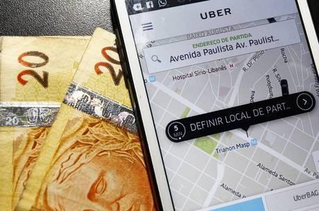 Assaltos e até calotes estão entre receios dos condutores da Uber