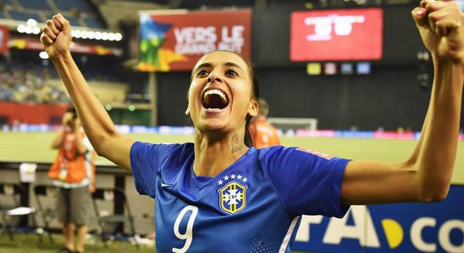 Andressa Alves diz que está ansiosa para jogar na Copa do Mundo