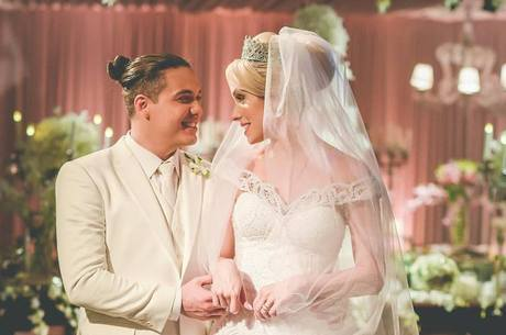 Wesley Safadão e Thyane Dantas se casaram nesta segunda-feira (1º)