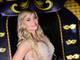 Thaiz Schimidt preferiu um nude com cristais para comemorar o aniversário de Fernanda Lacerda