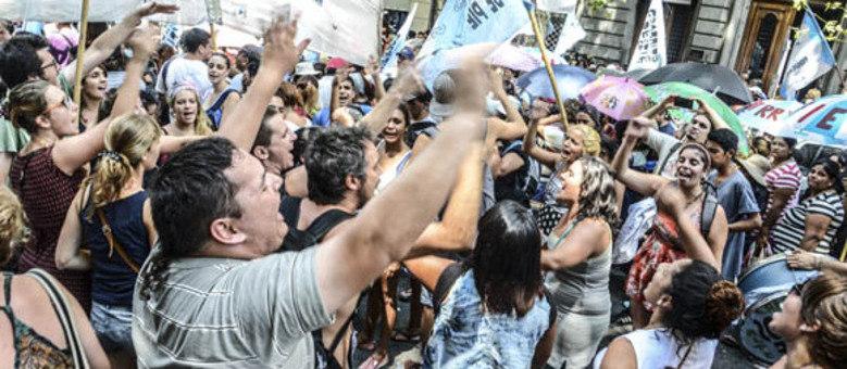 Buenos Aires passou a conviver com protestos quase diários por conta das medidas econômicas do governo Macri