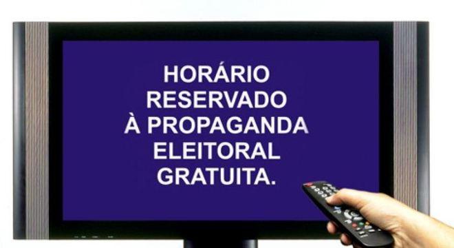 Padrinhos, montagens e ação judicial marcam horário eleitoral na TV