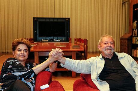 Ontem, Lula e Dilma se reuniram para combinar discurso no Senado