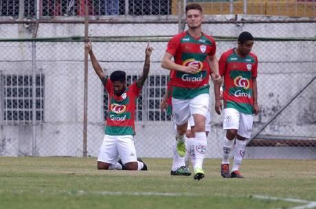 Portuguesa luta para não cair para a Série D
