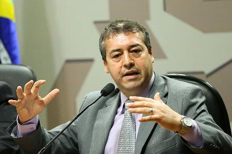 """Nogueira teve que se retratar após """"puxão de orelha"""" de Temer"""