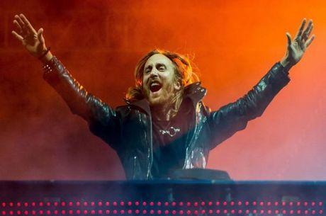 David Guetta fará 2º show para arrecadar fundos