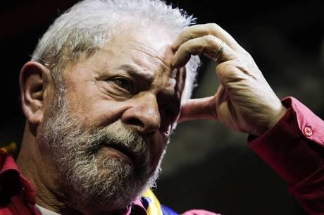 Nome do ex-presidente Lula foi citado em conversas preliminares