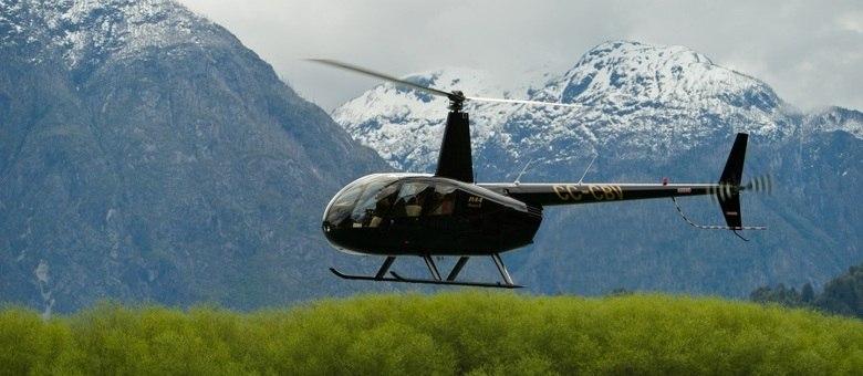 Hotel com cara de casa de família nas montanhas, o Barraco Lodge busca hóspedes de helicóptero