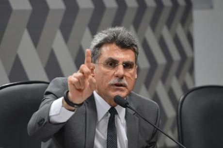 Jucá é investigado para analisar se cometeu crimes de corrupção passiva e previcaricação