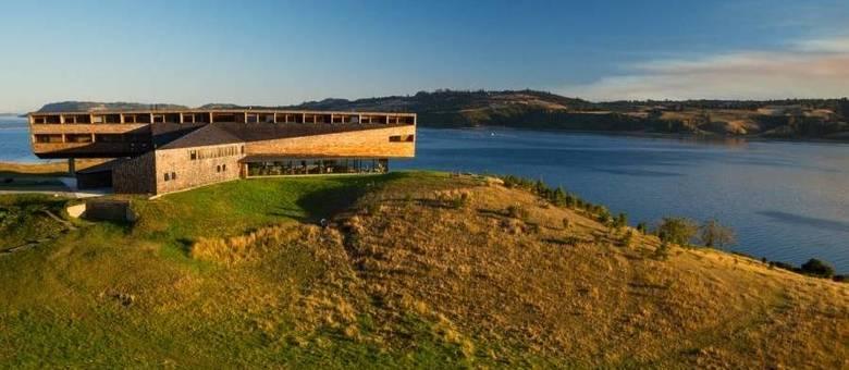 No Chile, Tierra Chiloé Hotel e Spa fica em frente à baía de Rilán e com vista para o pantanal de Pullao