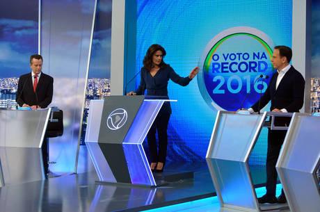 Seis candidatos participaram de debate em São Paulo