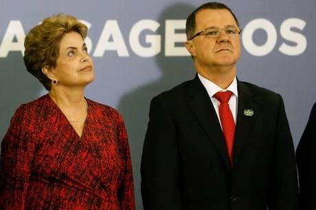 Dilma e Carlos Gabas durante evento em Brasília