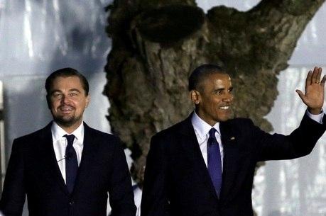 Leonardo DiCaprio e Barack Obama chegam juntos em evento na Casa Branca