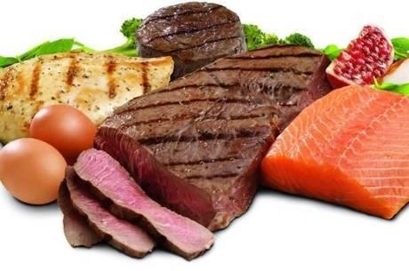 Os fenilcetonúricos devem evitar alimentos ricos em proteínas